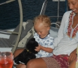 Skeppskatten Soffie har fått en ny kompis; Ingrid ett år.