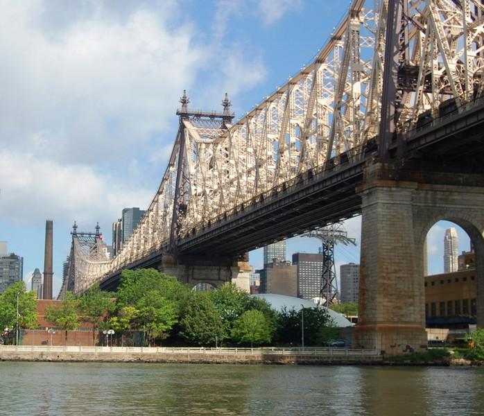 Många vackra broar längs vägen